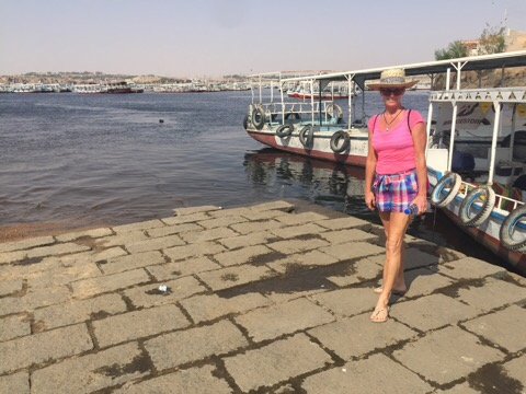 Take a boat to philae island
